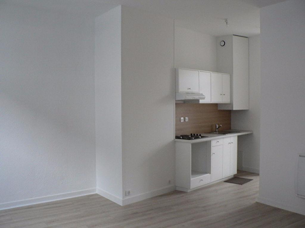 Appartement  F2  RDC - Houdan