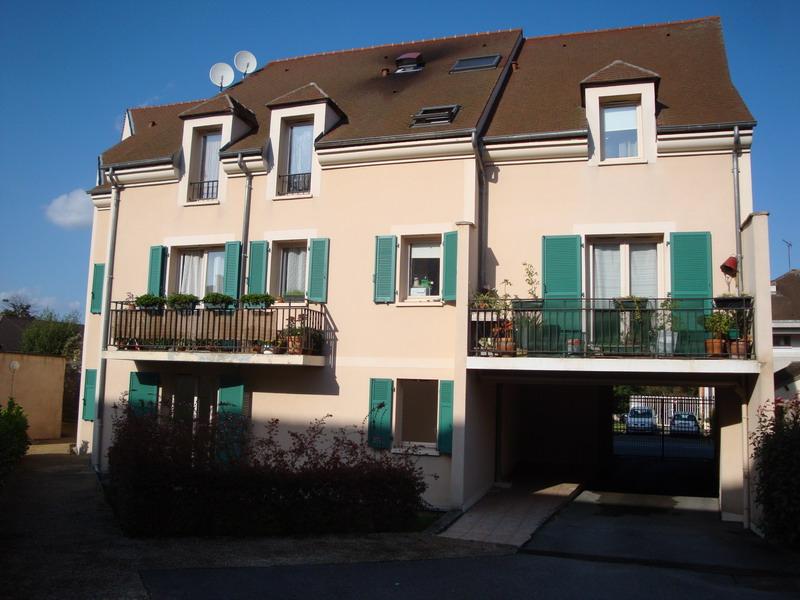HOUDAN -F2 avec terrasse- 36.16 m2