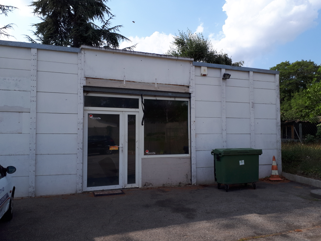 MAULETTE - LOCAL PROFESSIONNEL 87 m²