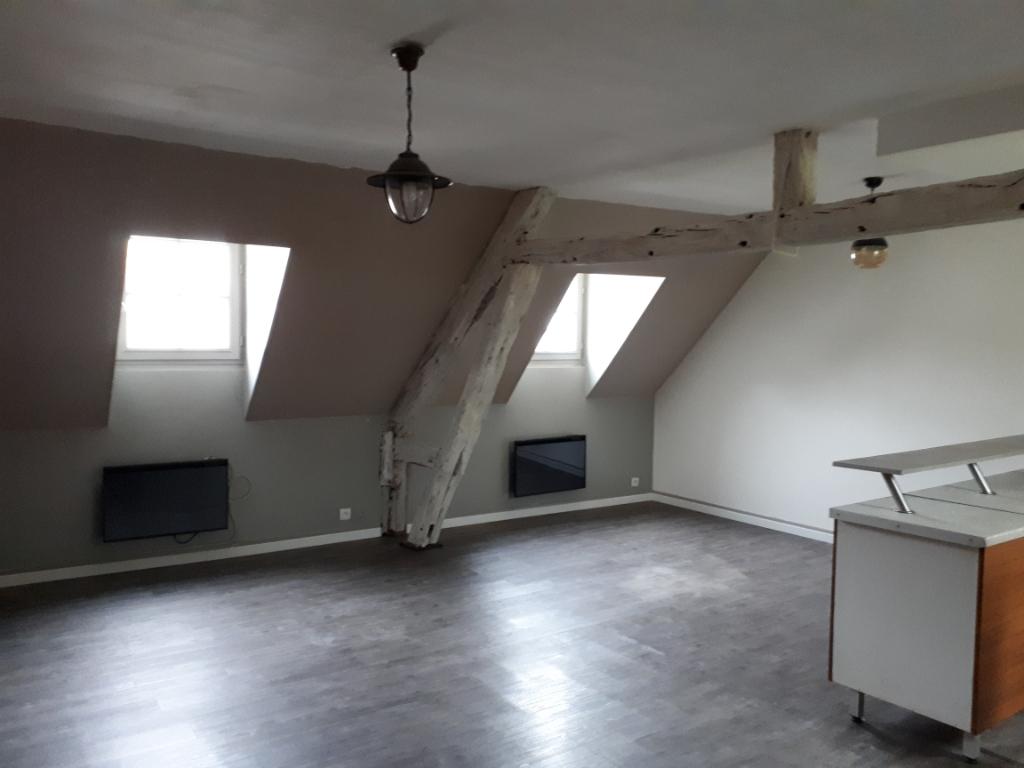 HOUDAN - F2 de 60 m²