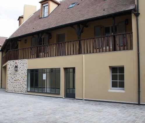 HOUDAN - Local professionnel de 54 m² env.